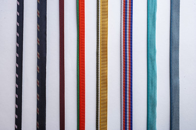 Coloured textile tape for clothing